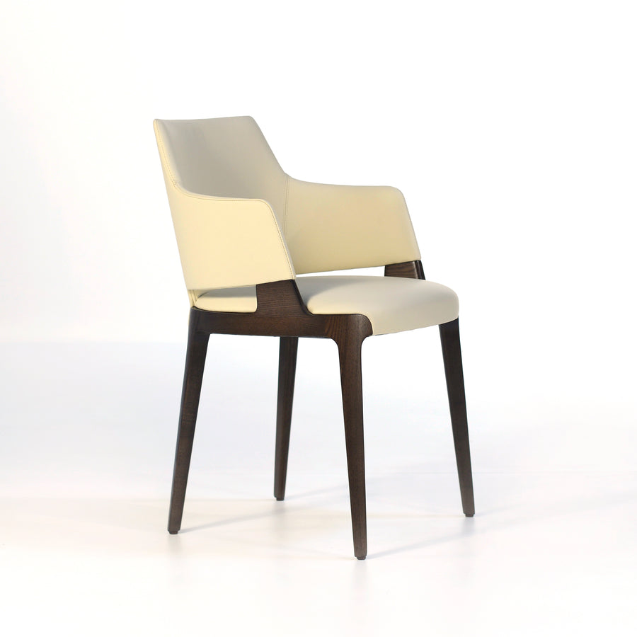 Potocco Velis Chair 942/PB, profile turned | © Spencer Interiors