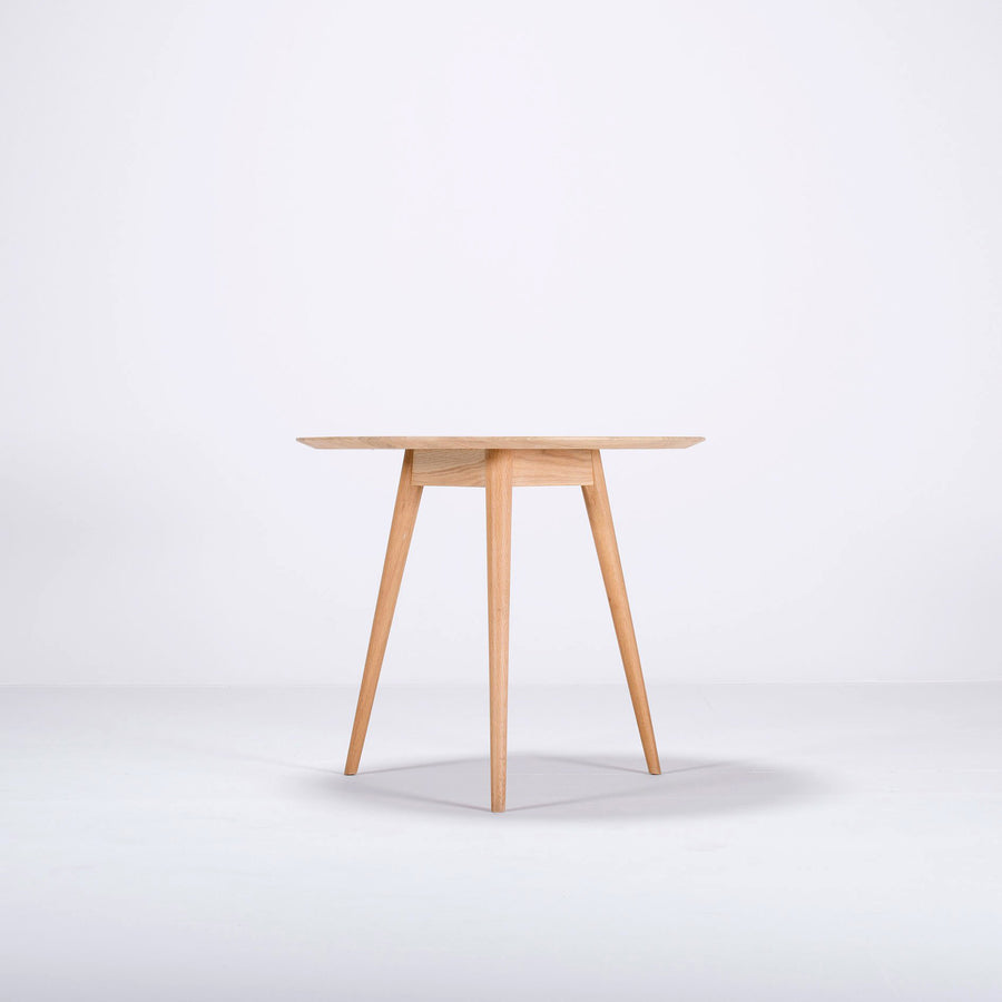 Stafa Round Table in Solid Oak