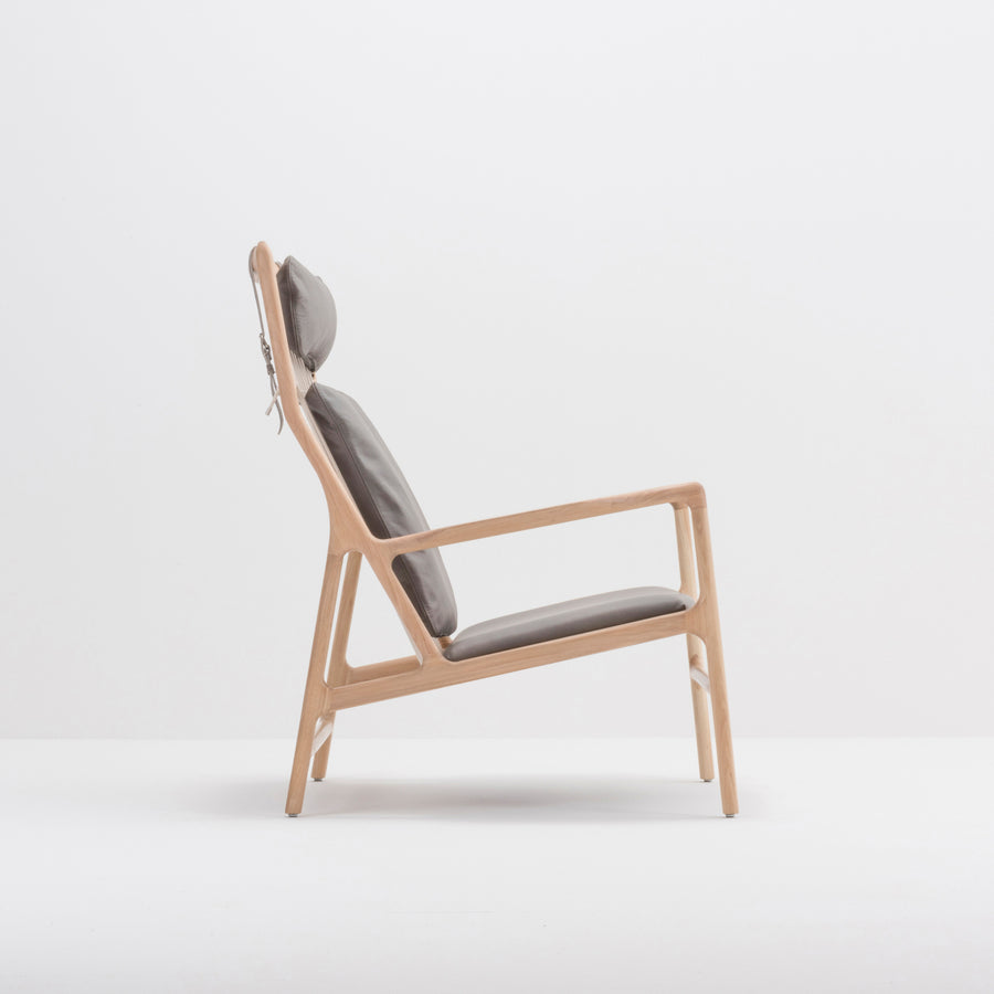 Gazzda Dedo Lounge Chair in solid Oak 9
