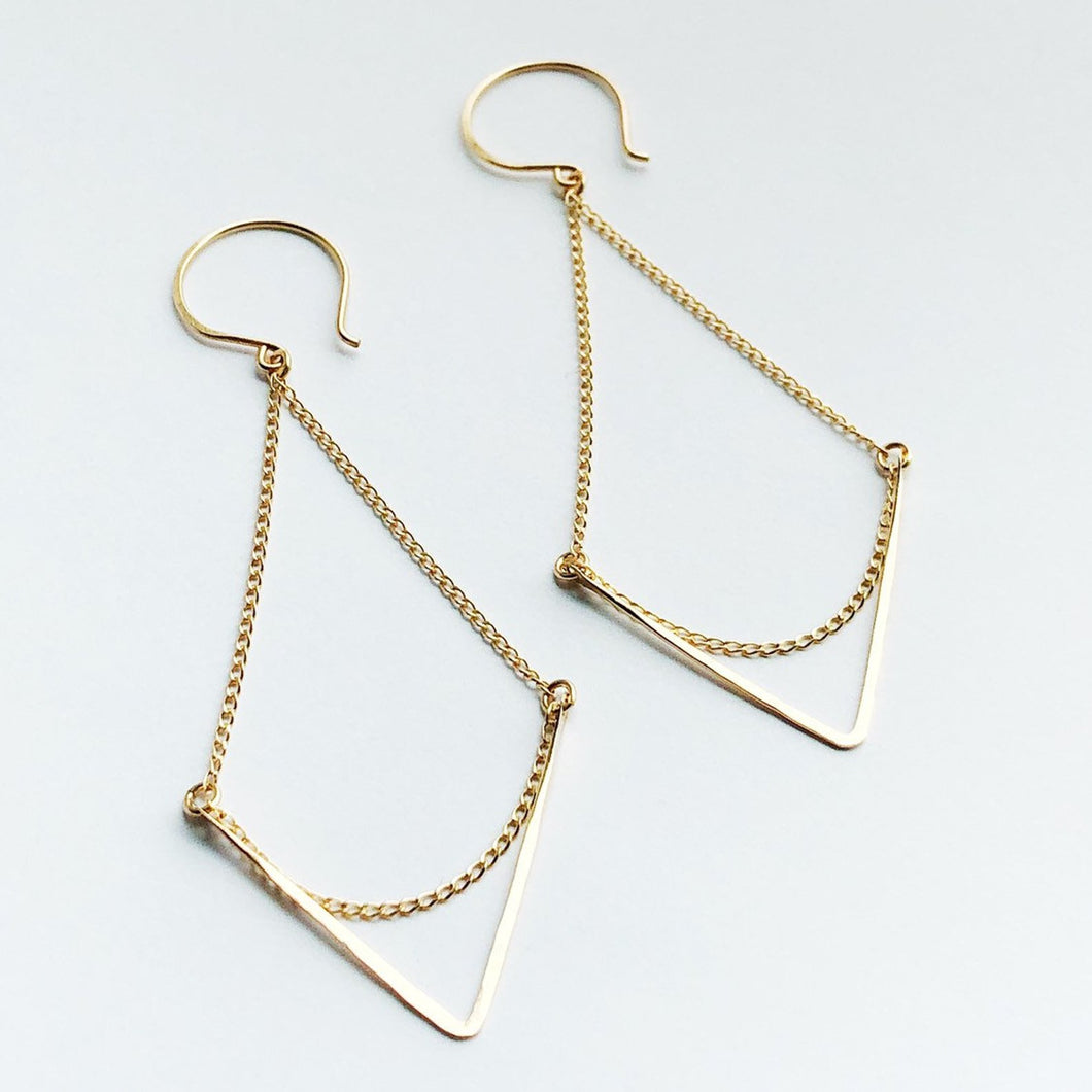 gold swing chain hammered chevron earrings