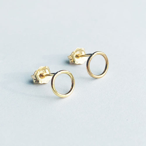 14kt gold filled circle stud earrings