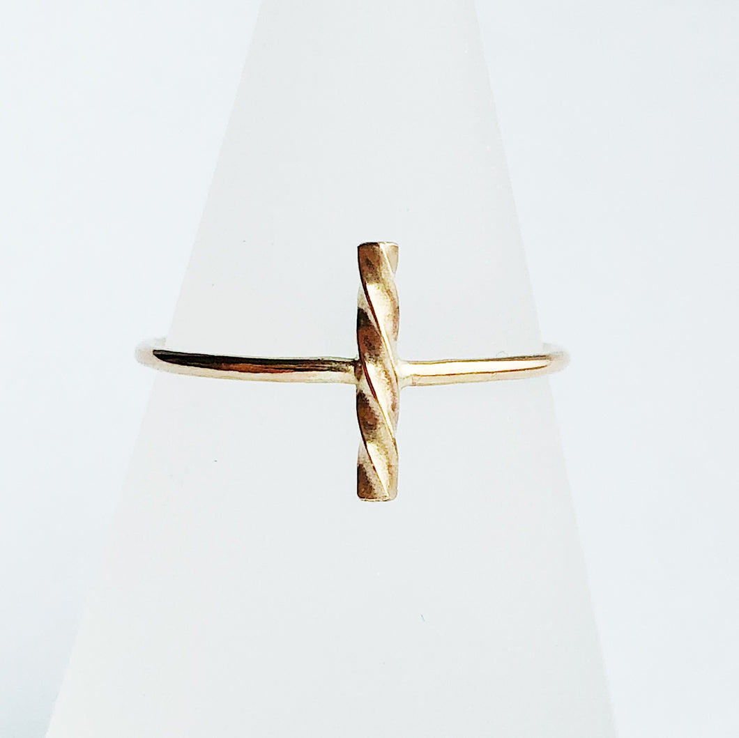 Twist Ring | 14kt Gold Filled Twisted Vertical Bar Ring