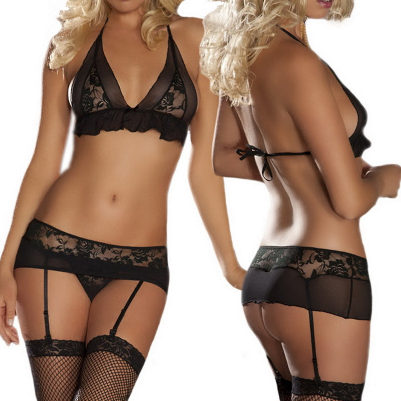 LACE WIRELESS BRA & GARTER SET