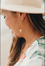Load image into Gallery viewer, Shark Tooth Threader Earrings