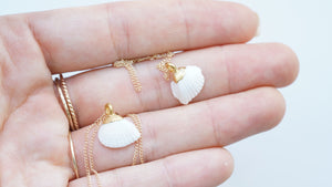 White Mini Scallop Threader Earrings
