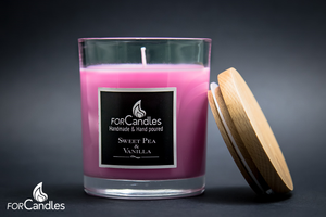 Large 100% soy candle with floral notes of sweet pea, cyclamen and jasmine. A country garden. Pink.
