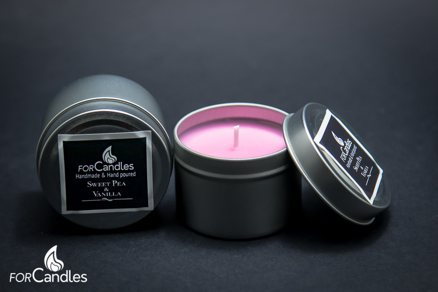 Handmade and hand poured, 100% soy candle with floral notes of sweet pea, cyclamen and jasmine. Pink