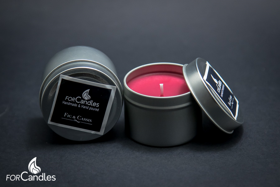 Handmade and hand poured, 100% soy candle with fig, cassis, blackcurrant. Red.