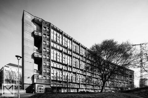 Robin Hood Gardens, designed by Alison and Peter Smithson, in Poplar, East London © Nick Miners