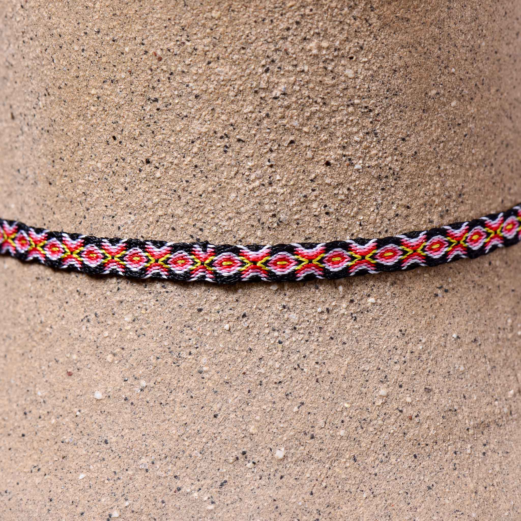 Mhuysca Macrame Thin Bracelet Red & Blue