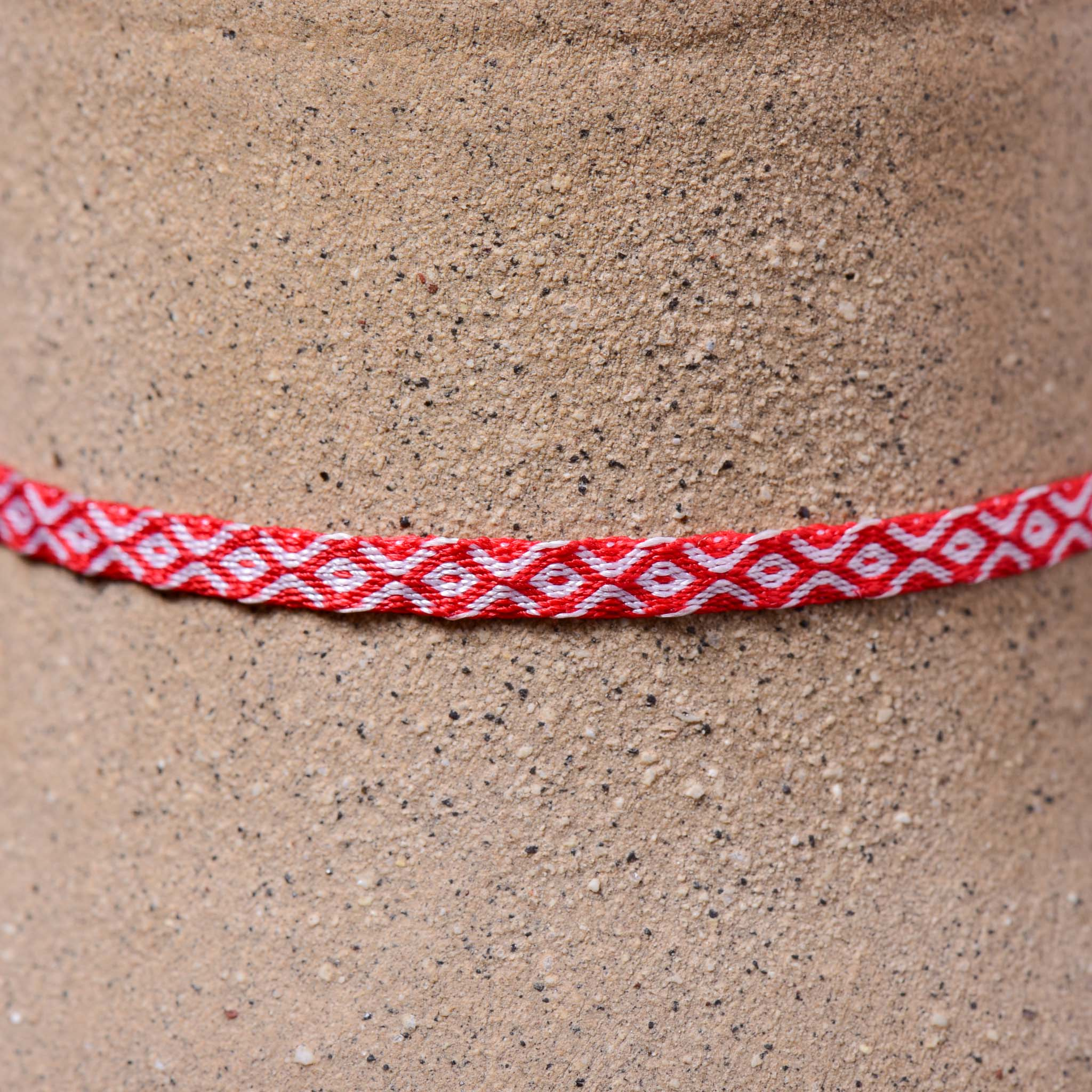 Mhuysca Macrame Thin Bracelet Red