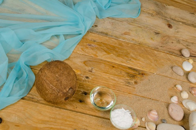 From Beauty & Health to Life Hacks: Coconut Oil Benefits & Uses