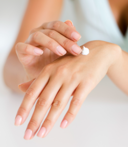 Moisturiser vs. Serum: What's the Difference?