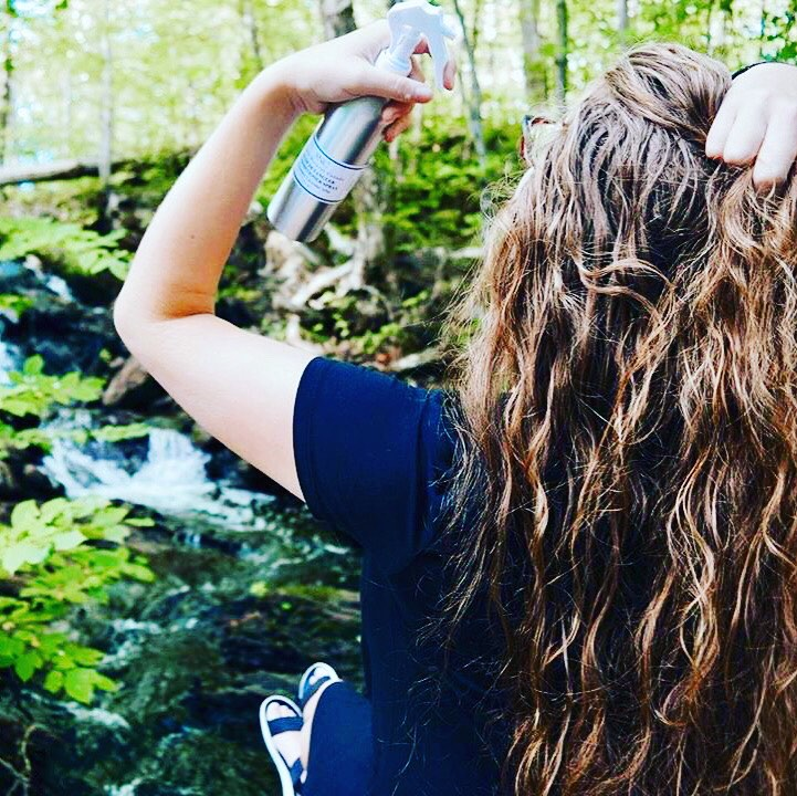 detangle and condition hair with natural spray