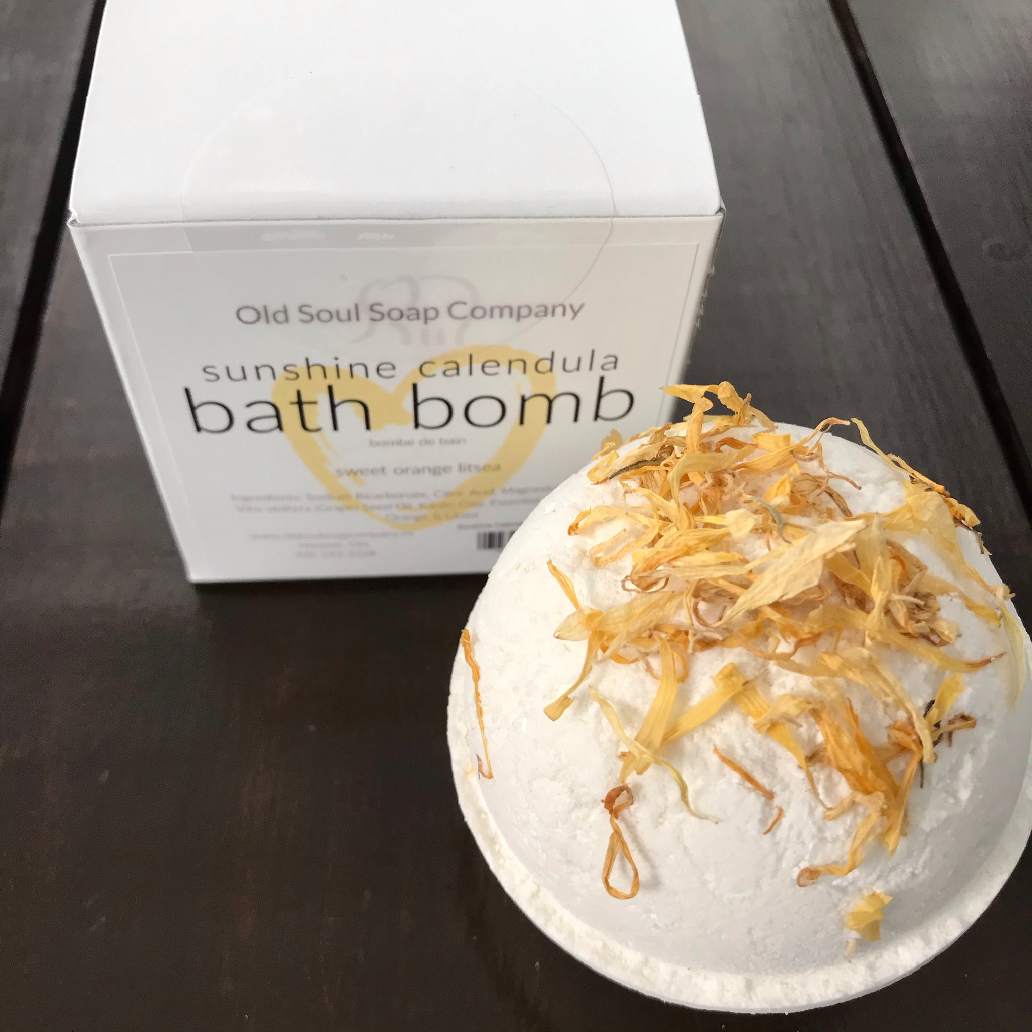 natural essential oil bath bomb made in canada with sweet orange, litsea and calendula