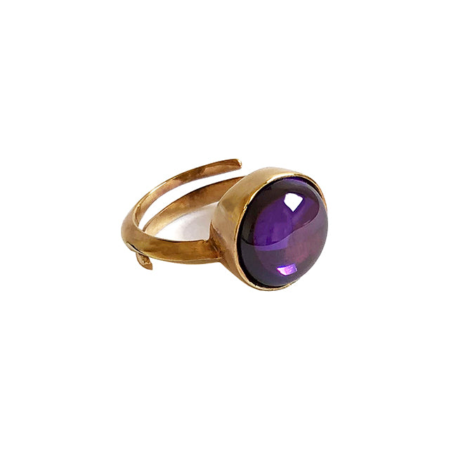 Purple stone gold ring