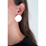 Isla Fontaine Lunas gold circle stud earrings