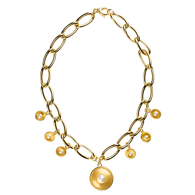 Charm pearl gold necklace