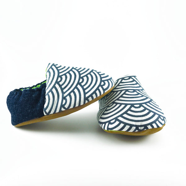 Blue Japanese Scallop Mini Shoes