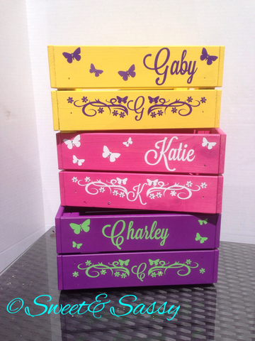 PERSONALISED BUTTERFLY & FLOWERS CRATE
