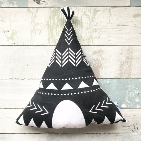 TEEPEE CUSHION