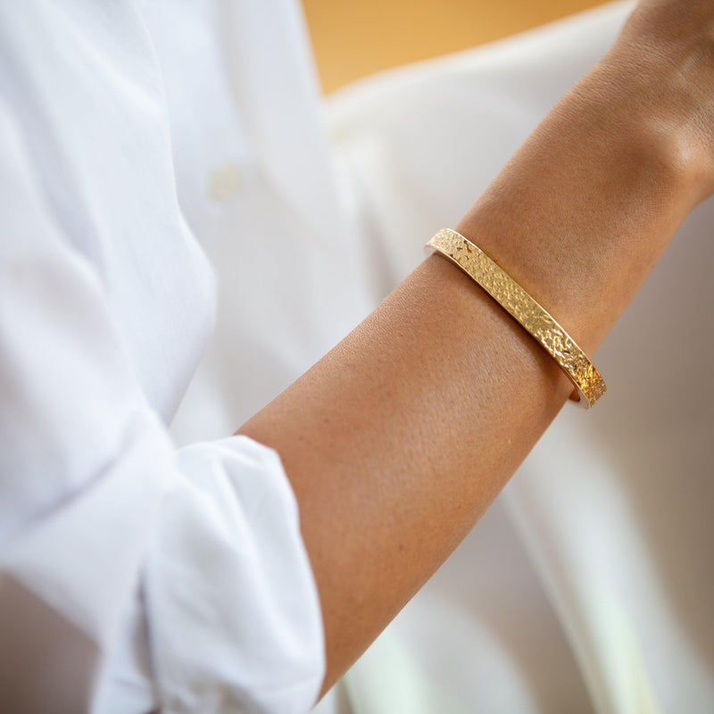 DUNYA POKOT THIN CUFF BRACELET IN GOLD - Tohum Design