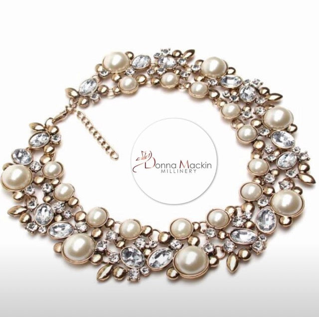 Holly Necklace (Pearl)