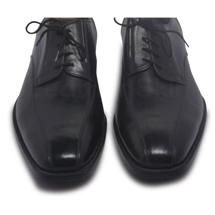 toe for black derby leather shoes