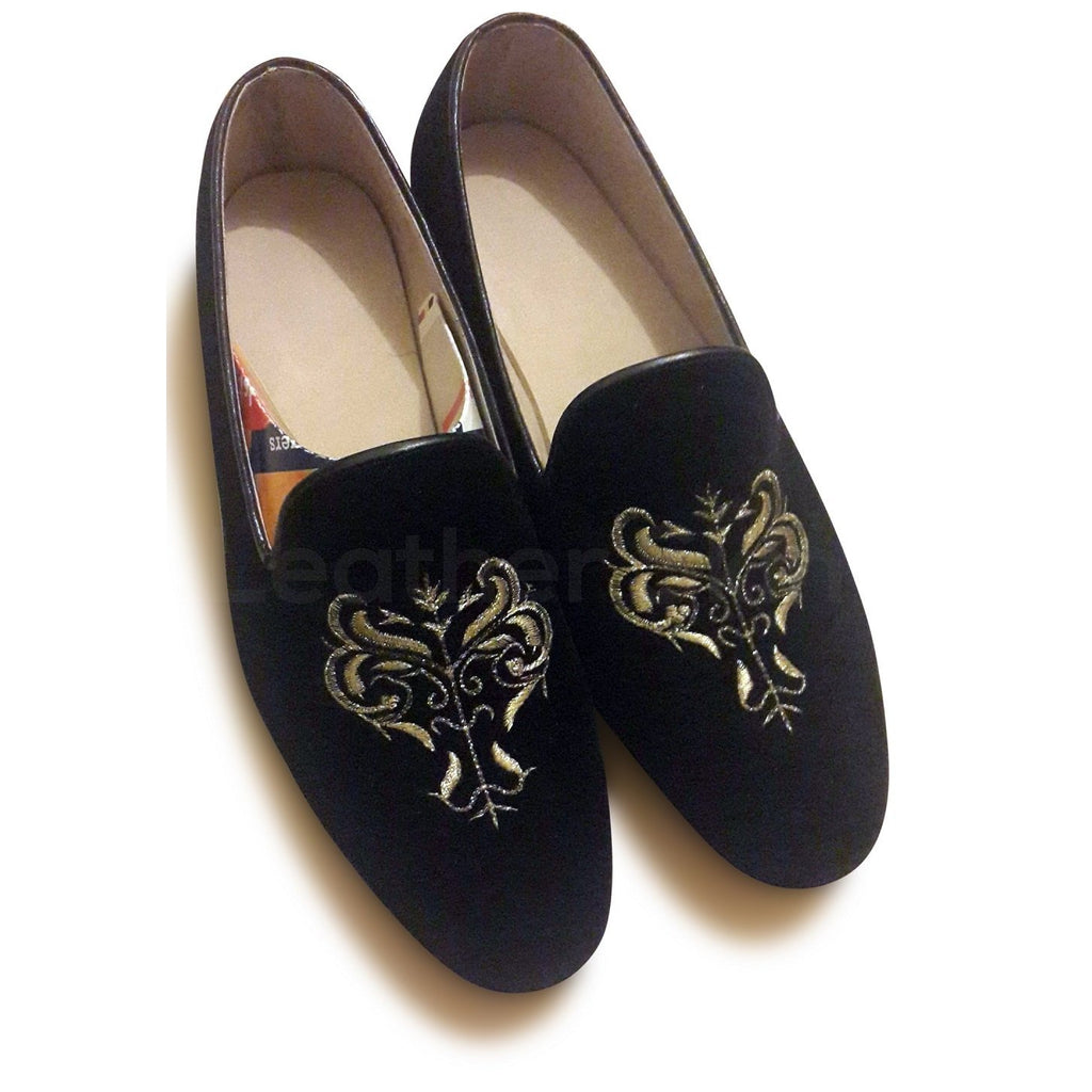 black embroidery velvet shoes