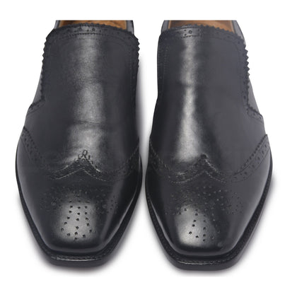 wingtip brogue toe for black shoes