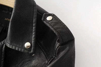 Shoulder Epaulettes of the Black Brando Leather Jacket