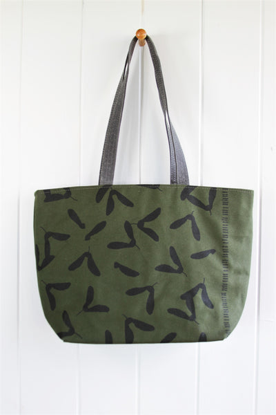 Sturdy Lined Tote - Samara in Ink on Evergreen