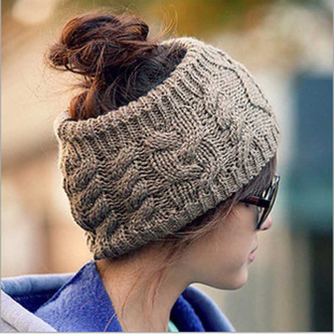 Women's Knitted Messy Bun Hat