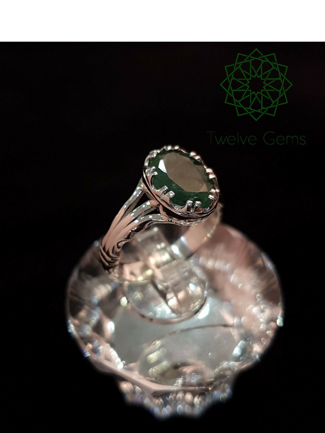 Elegant Emerald Silver Ring