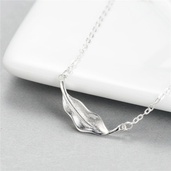 Art leaves necklace