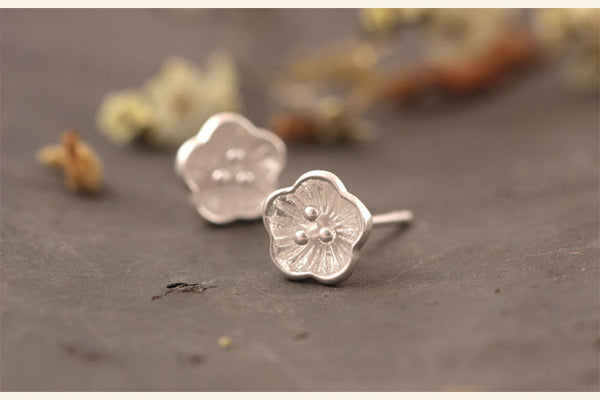 925 Sterling Silver Cute plum earrings