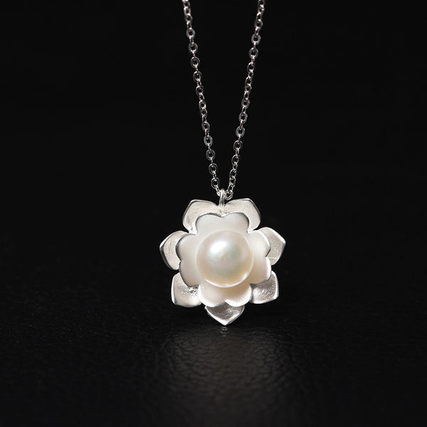 925 Sterling Silver Pearl flowers necklaces
