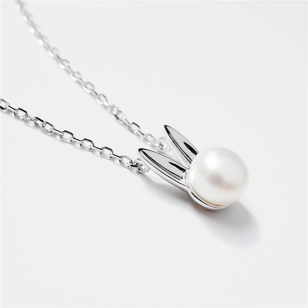 Bunny pearl pendant necklace