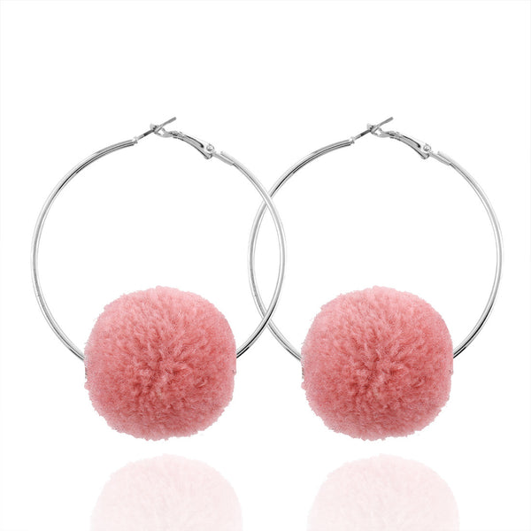 Big circle pompon earrings