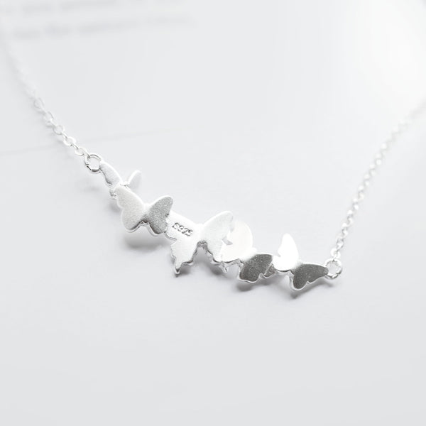 Butterfly clavicle chain