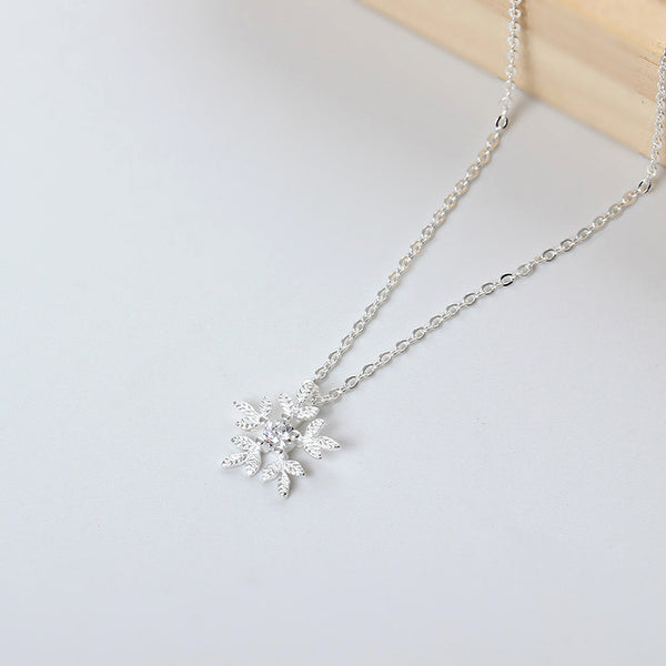 925 Sterling Silver Zircon snowflake necklace