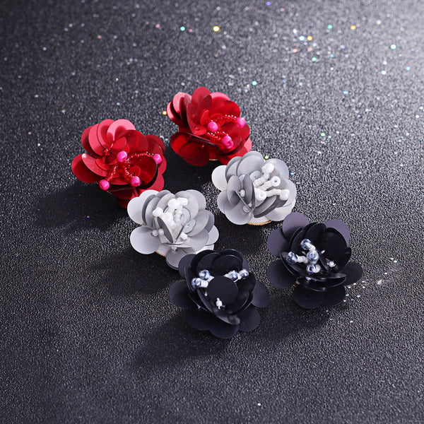 Beaded sequins roses earrings