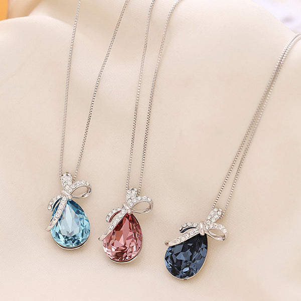 Colored crystal short necklace