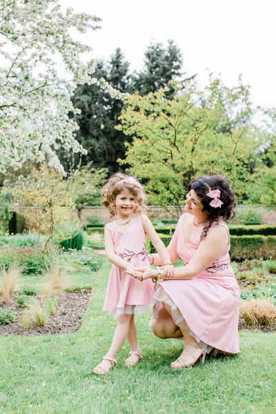 matching mother daughter dresses - twinning - moeder dochter outfit by Just Like Mommy 'z  Mommy & Me - Cherry blossom dress