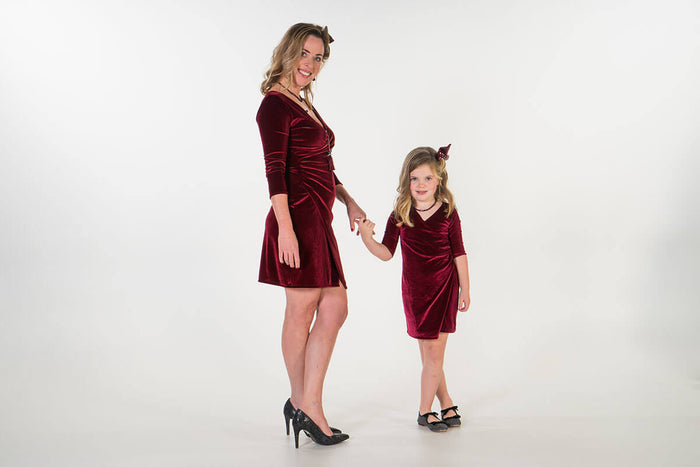 Twinning jurken voor feests - matching party dresses by Just Like Mommy 'zMoeder dochter matching kleding twinning jurken - feestjurken - Mother daughter matching dresses | Just Like Mommy'z | Christmas Holiday Collection - Kerst Collectie