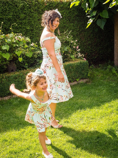 Moeder dochter jurken - Twinning set - Just Like Mommy'z matching dresses - Summer Smile twinning dress - mint off shoulder - Matching Fashion
