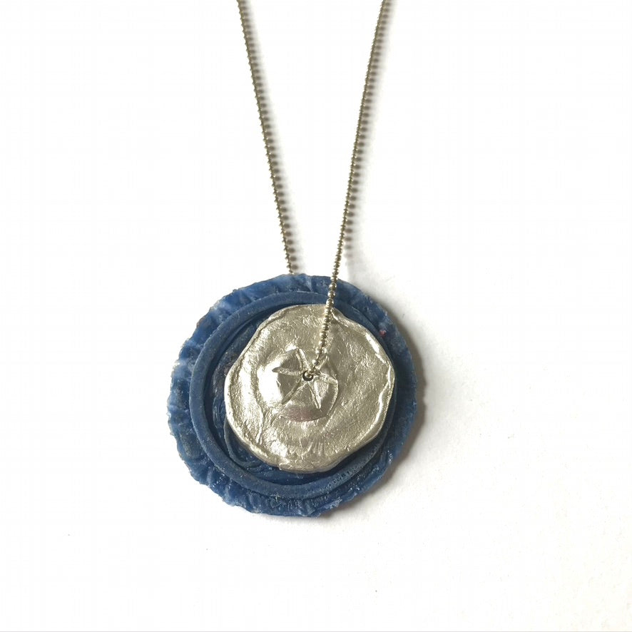 Oyster Lid Pendant - Blue
