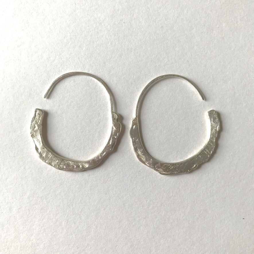 Oyster Half Edge Earrings
