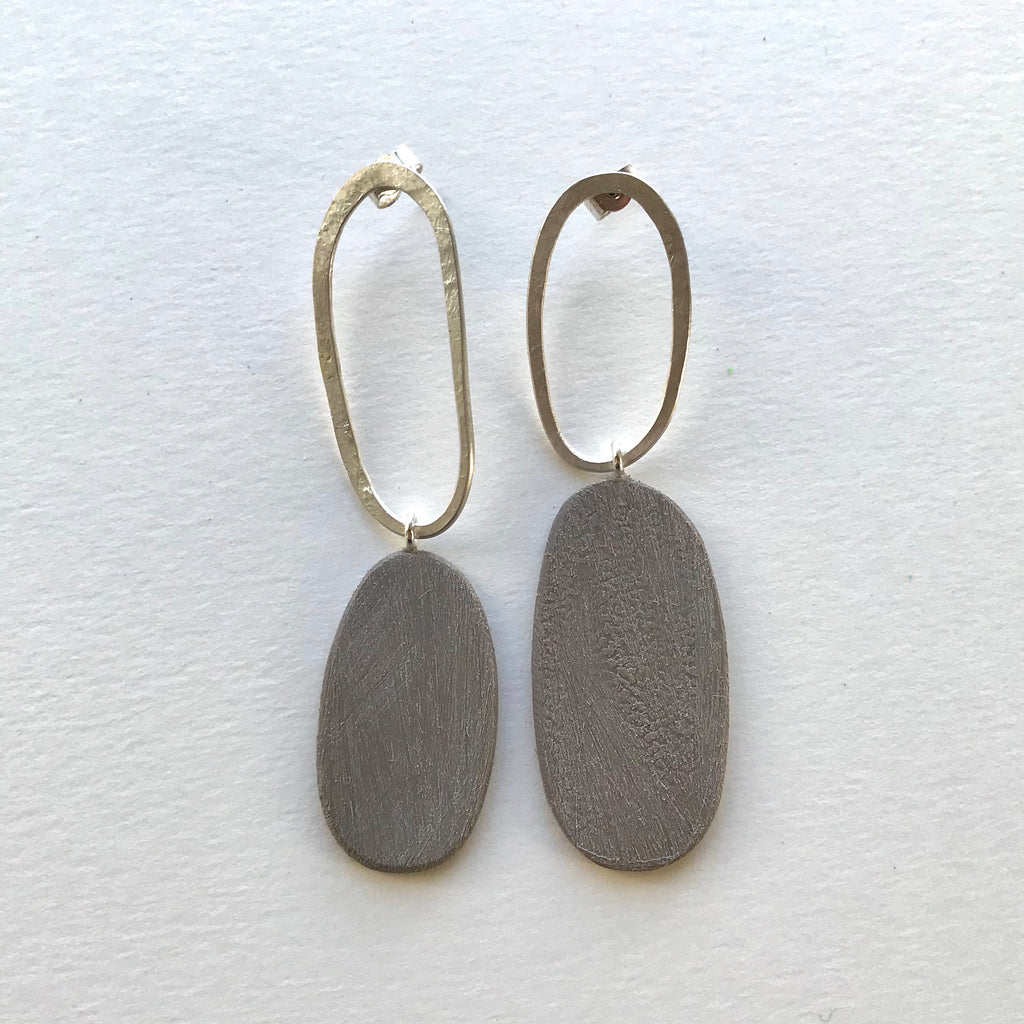 Big and Odd Earrings (Stone)