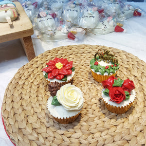 CHRISTMAS SPECIAL: Christmas Floral Cupcakes